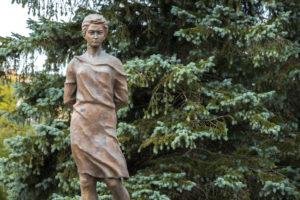 Памятник_Зое_Космодемьянской_в_Рузе